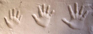 manos barro