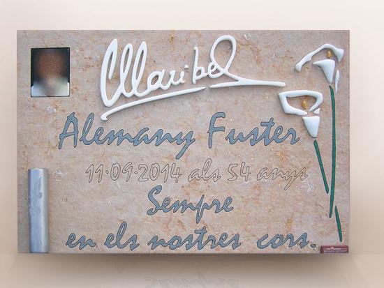 lapida con flores y firma diseño personalizado