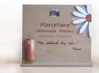 lapida con flor margarita calada e incrustada diseño personalizado