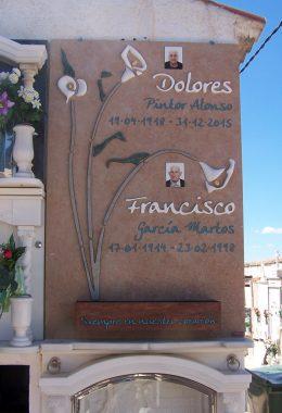 Lápida Floral, calas
