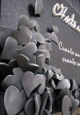 lapida de corazones, lapida de diseño innovador